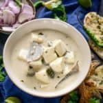 Paneer in White Gravy is a creamy, rich dish where Paneer cubes are simmered in a onion cashew nut based white gravy. It is a popular dish in most Indian restaurants and goes well with Indian breads. Here is how to make Paneer in White Gravy Recipe.