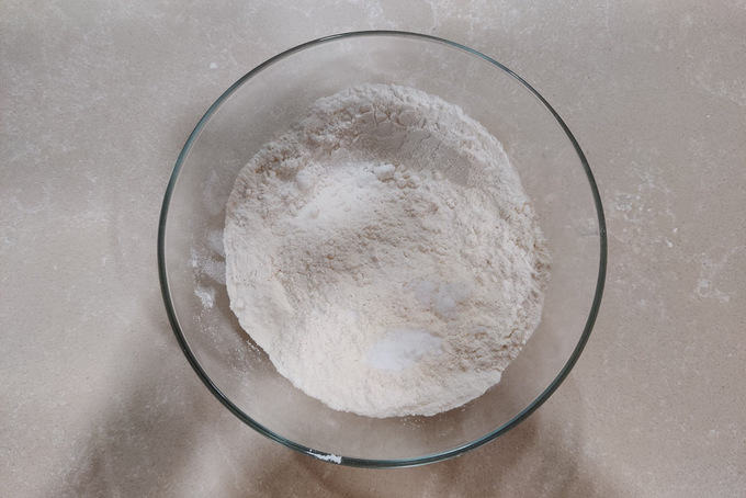 flour, baking soa and salt mixed in a bowl.