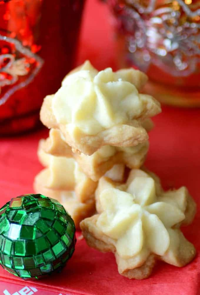 Buttery Piped Shortbread Cookies
