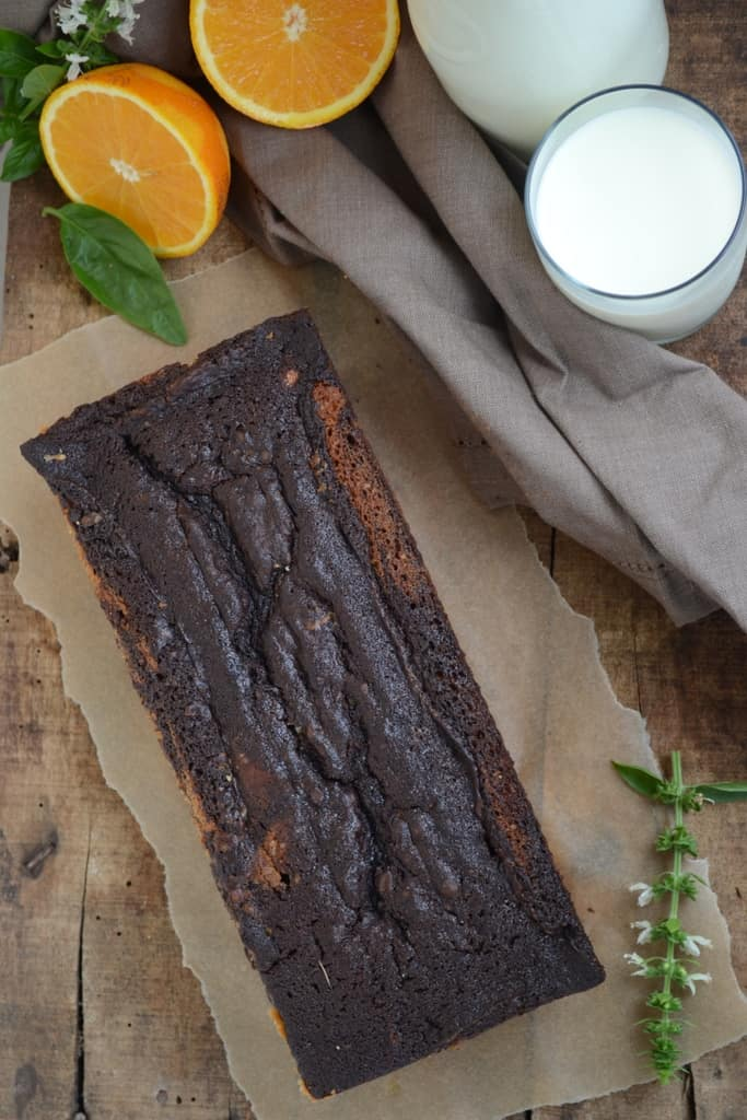 This Chocolate and Orange Marble Loaf Cake is a soft and moist cake with perfectly balanced flavors. Here is the recipe to make Chocolate and Orange Marble Loaf Cake.