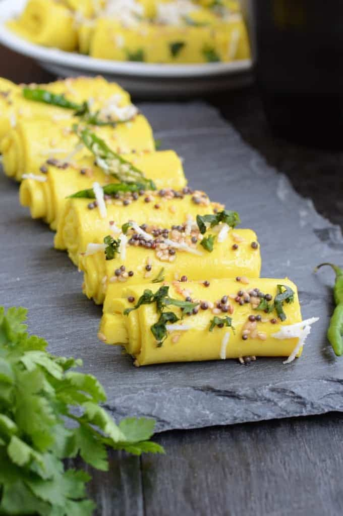 Khandvi Recipe / Gujarati Khandvi / How to make Khandvi
