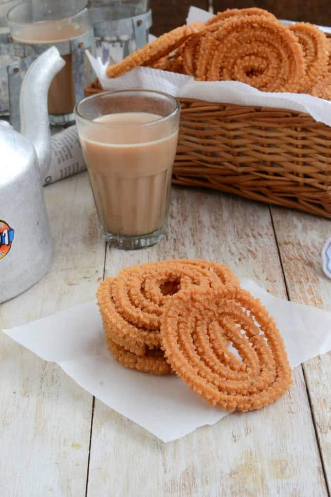 A traditional savory sweet prepared during festivals, Murukku are crunchy, flavorful and are a perfect accompaniment to hot tea.