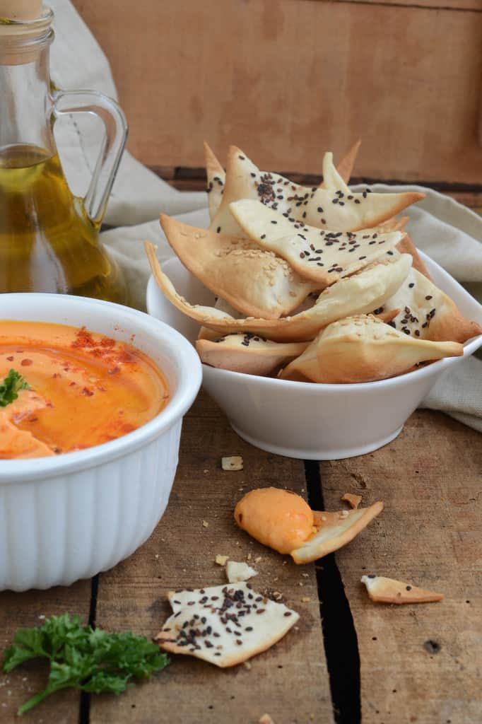 Lavash Crackers with Roasted Red Bell Pepper Hummus is a healthy,easy to make snack. Here is how to make Lavash Crackers with Roasted Red Bell Pepper Hummus.