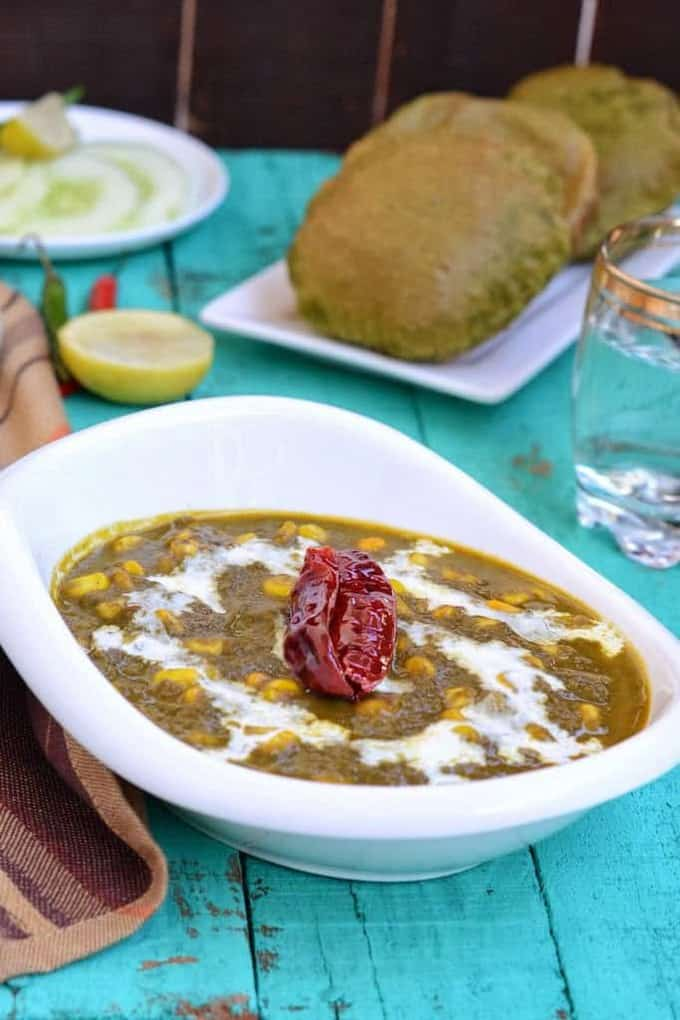 Palak Corn Curry is a healthy and delicious curry. I make this quite often as it is liked by all in the family and goes well with meals.