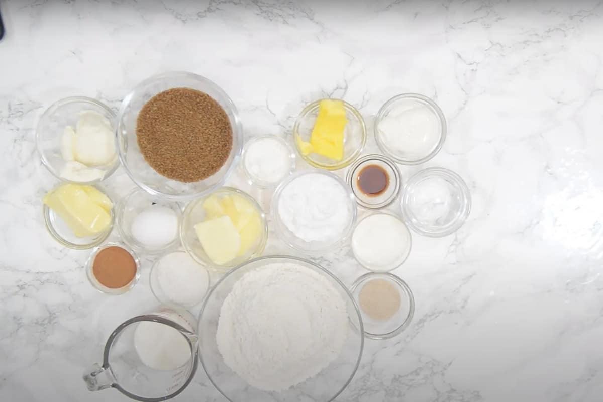 Cinnamon rolls ingredients