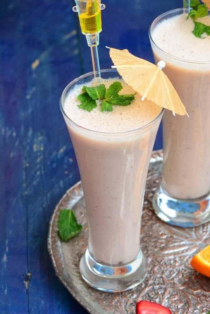 Banana, Strawberry and Orange Shake Recipe, How to make Banana, Strawberry and Orange Shake