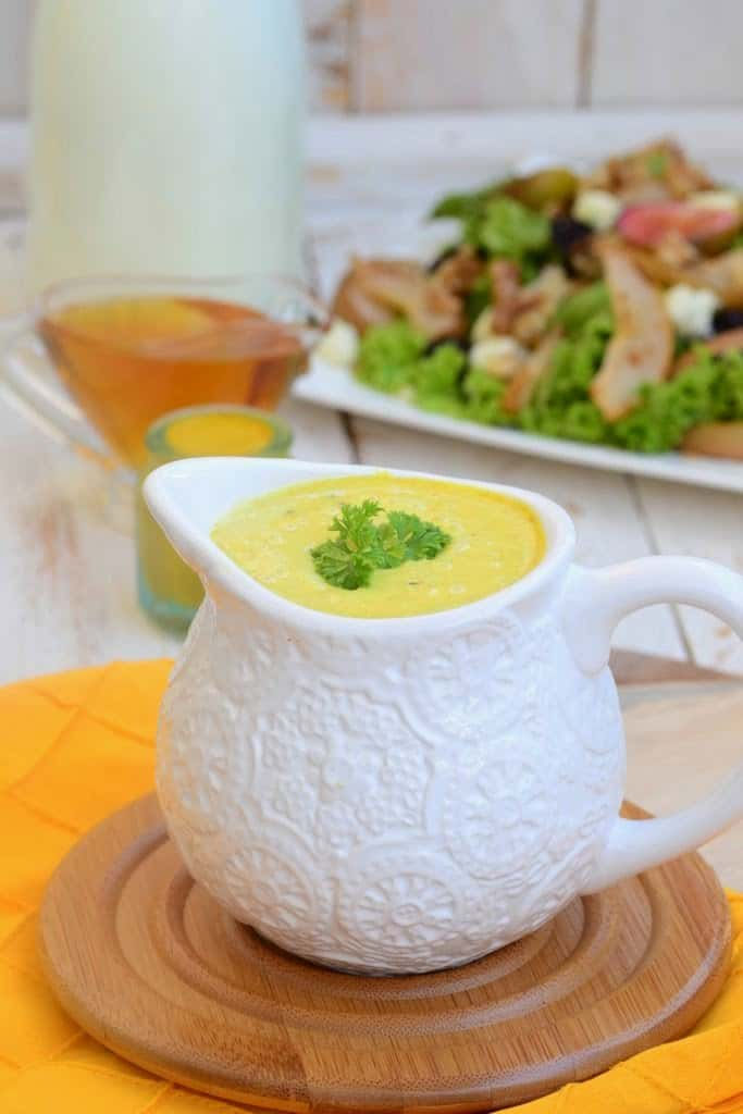 Honey and Mustard Yogurt Salad Dressing