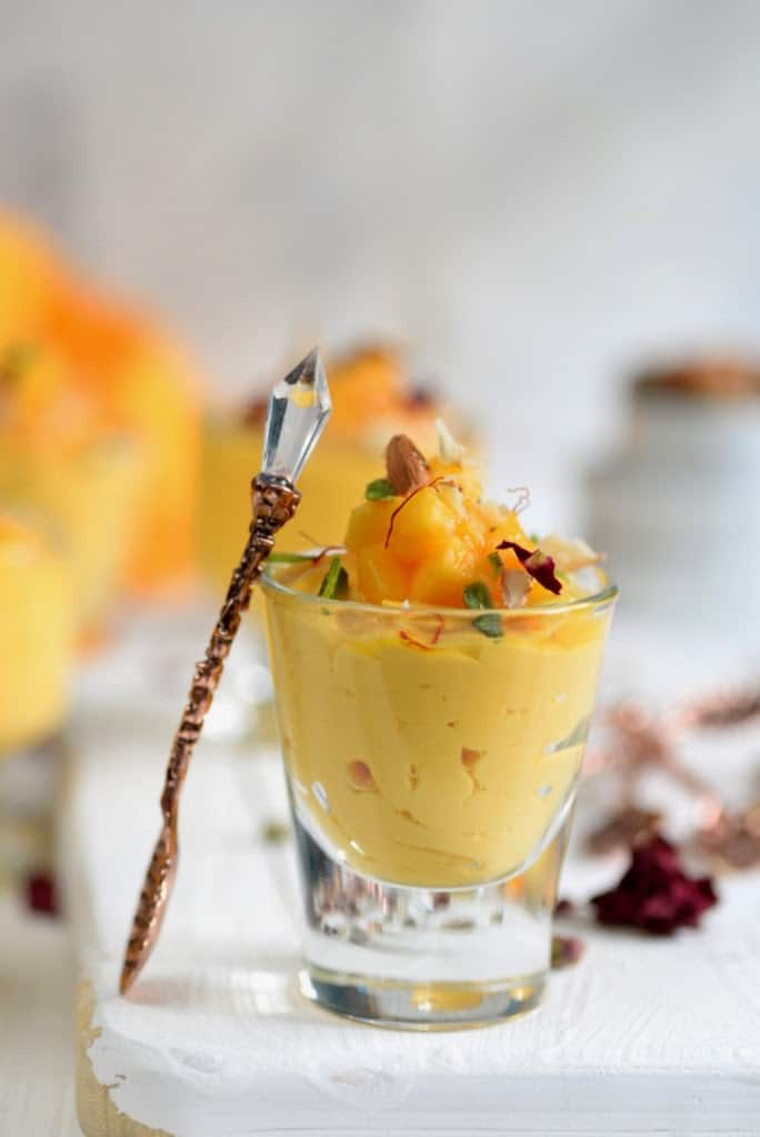 Kesar Aam Srikhand / Thick Yogurt with Saffron and Mango