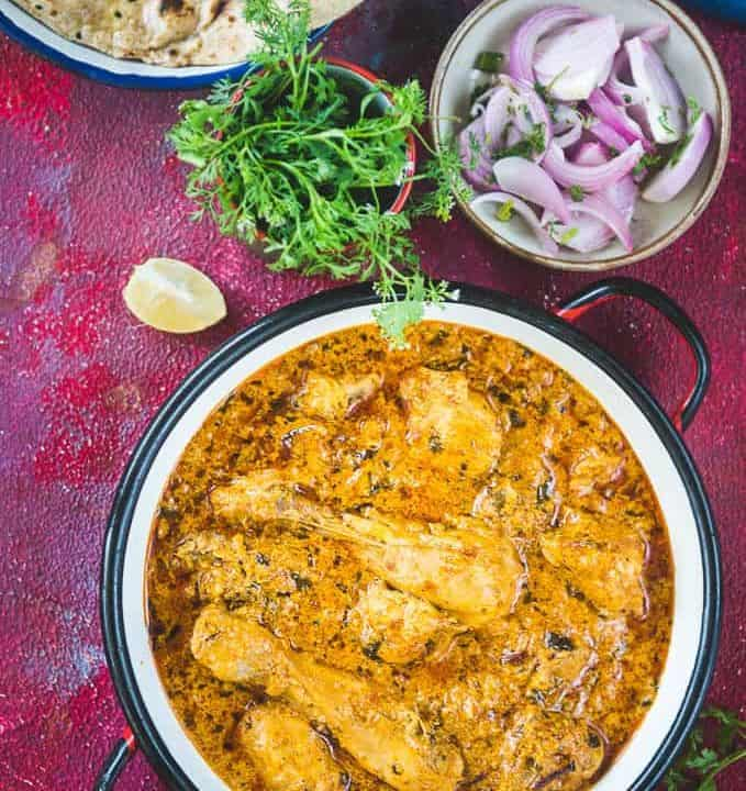 Malai Chicken served in a bowl.