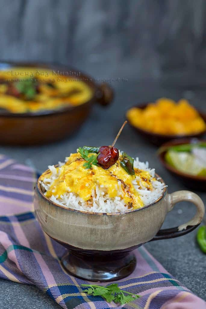 Mango Kadhi or Fajeto is a Gujarati dish made using yogurt, chickpea flour and ripe mangoes. It can be relished with a bowl of steamed rice on the side.