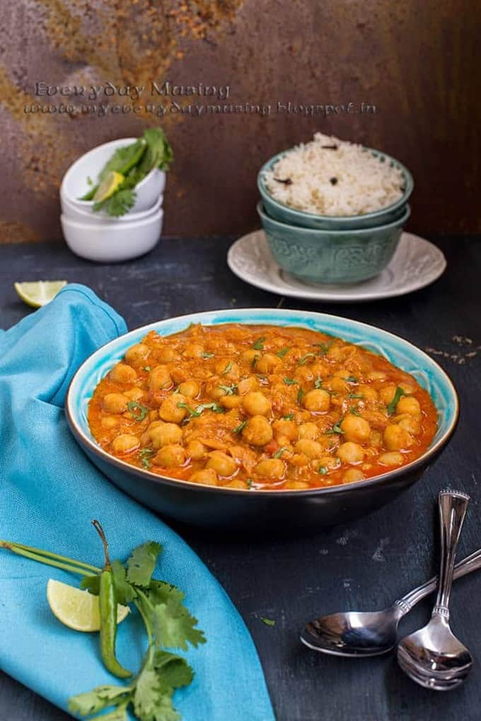Shahi Chole Masala (Chickpeas in a rich and creamy gravy)