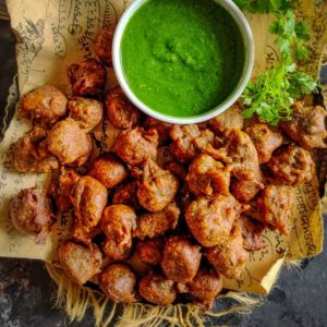 Kuttu Ki Pakodi is a delicious snack to make for fasting days. Pair these with some fresh yogurt or coriander chutney for a delicious Fasting meal. Here is how to make Kuttu ki Pakodi Recipe.