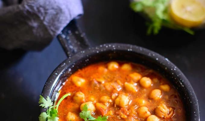 Achari Chole / Chickpeas Curry with Pickling Spices