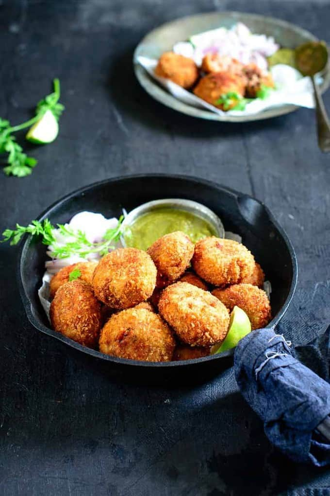 Tuna Kabab is a delicious snack or Appetizer made using canned Tuna. It is very easy and quick to make. Here is a tried and tested recipe.