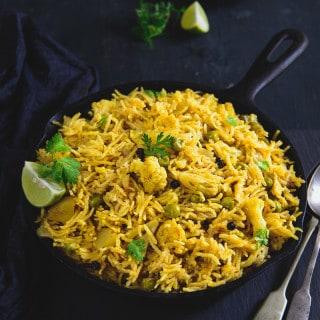 Aloo Matar Gobhi Ki Tahri Recipe, How to make Aloo Matar Gobhi Ki Tahri