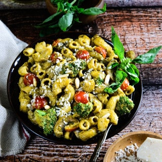 Roasted Red bell Pepper and Basil Pesto Del Monte Pasta