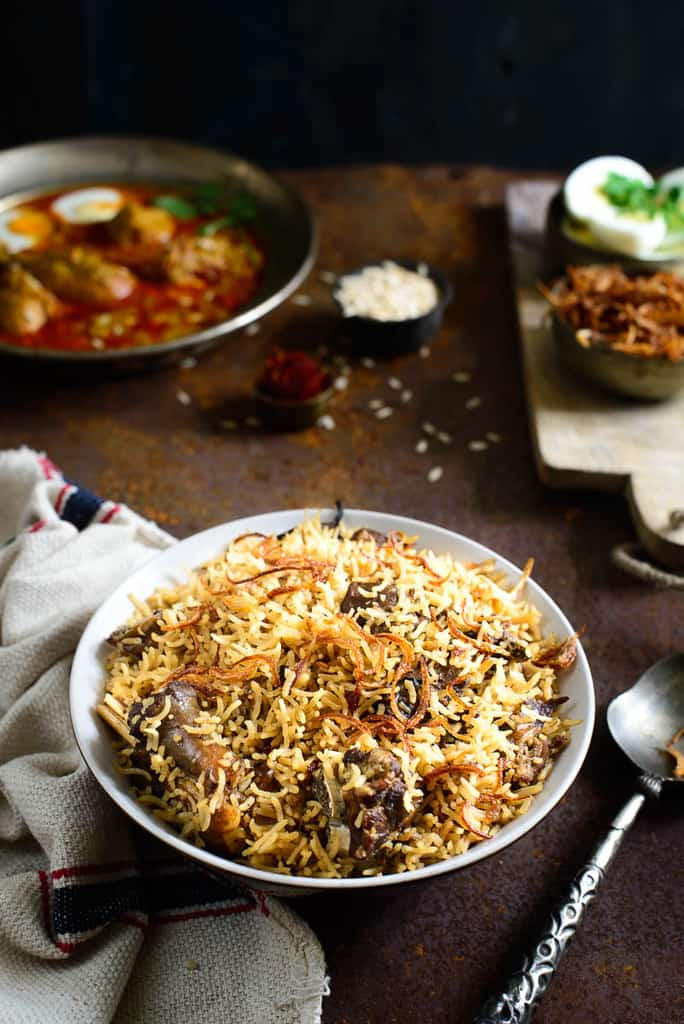 Gosht Yakhni Pulao is a flavorful rice preparation where long grain basmati rice is cooked in a stock made with Mutton and spices.