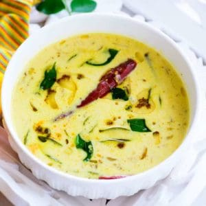 Moru Curry is Kerala style seasoned buttermilk which is served as a part of Onam sadya. It is very quick and easy to make.