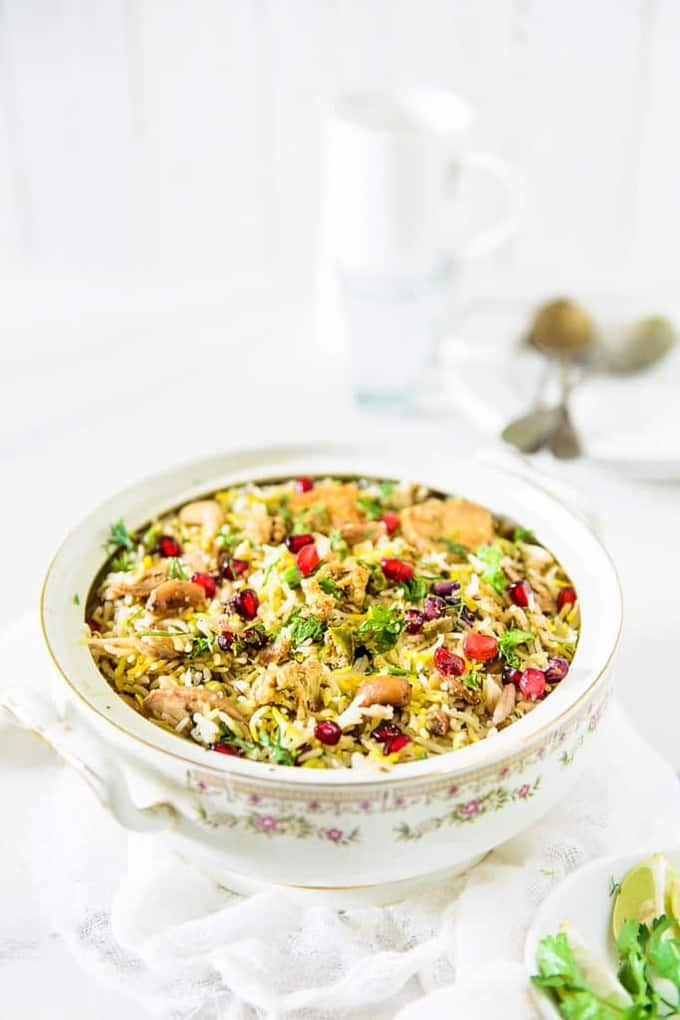 Jodhpuri Kabuli is a rice preparation from the Jodhpur city of Rajasthan. The rice is cooked along with vegetables and mild spices.