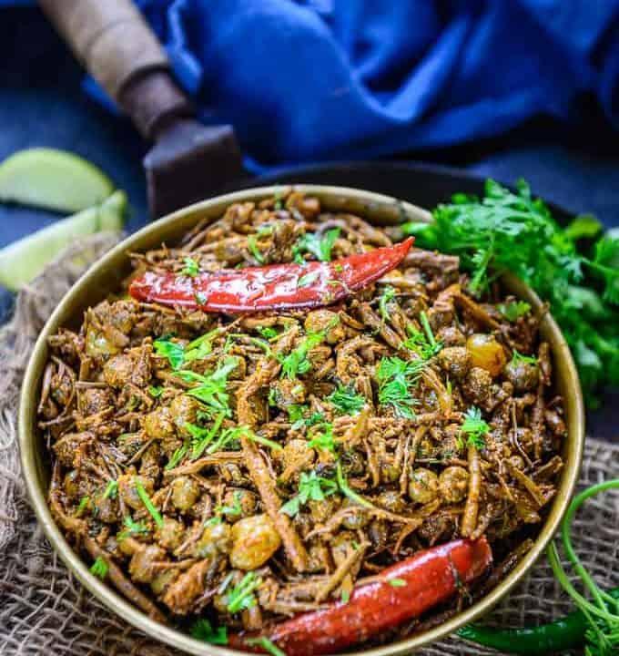 Ker Sangri served in a bowl.