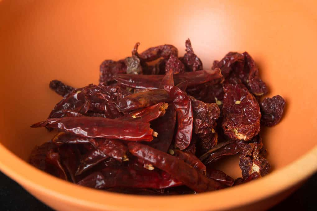 Kashmiri and bedgi chillies in a bowl