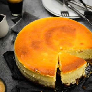 Classic New York Style Cheesecake Recipe, How to make Classic New York Style Cheesecake