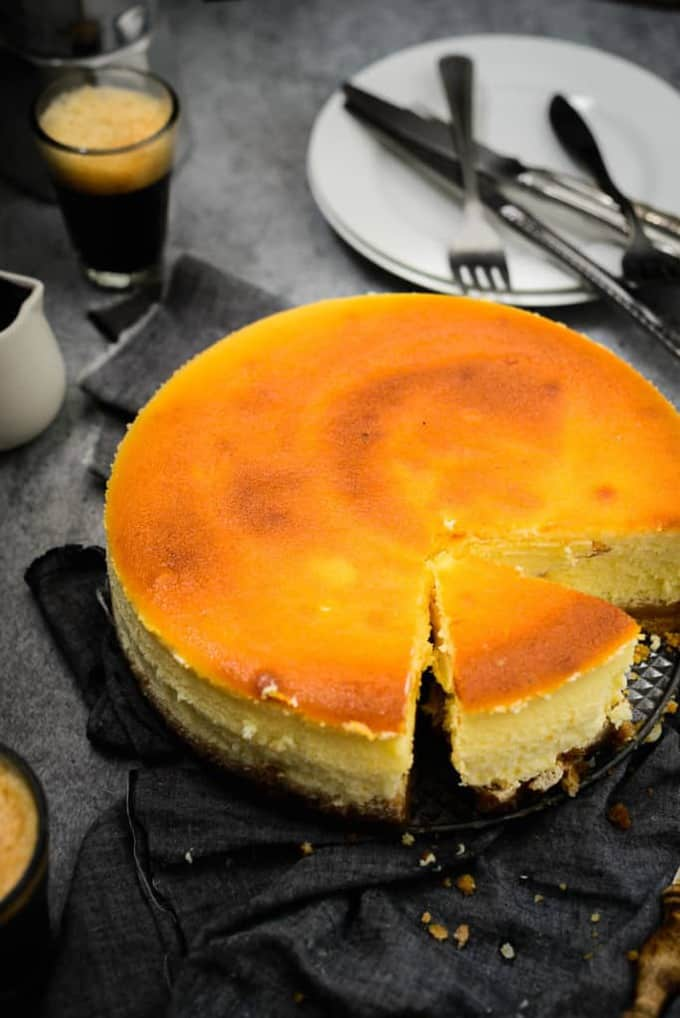 Classic New York Style Cheesecake Recipe, How to make Classic New York Style Cheesecake