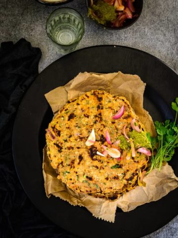 Masala Jowar Roti incorporates some vegetables and spices into the roti, making it extra nutritious. The spices of cumin powder, sesame seeds and green chillies, add a special taste to it. This masala Jowar roti is perfect for people who have to be on a gluten-free diet.