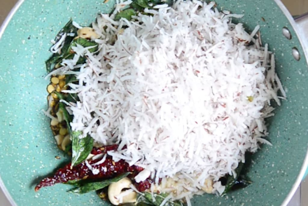 South Indian Coconut Rice Recipe, Kerala Style Coconut Rice Recipe, Thenga Choru Recipe, kerala coconut rice recipe, simple coconut rice recipe, thenga choru kerala recipe, coconut rice recipe