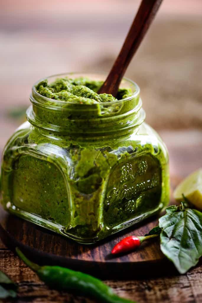 homemade best thai green curry paste whiskaffair. Black Bedroom Furniture Sets. Home Design Ideas