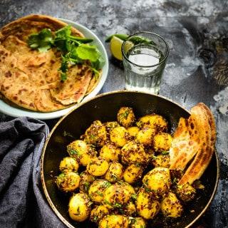 Jeera Aloo Recipe (Cumin Flavoured Potatoes) – Video Recipe