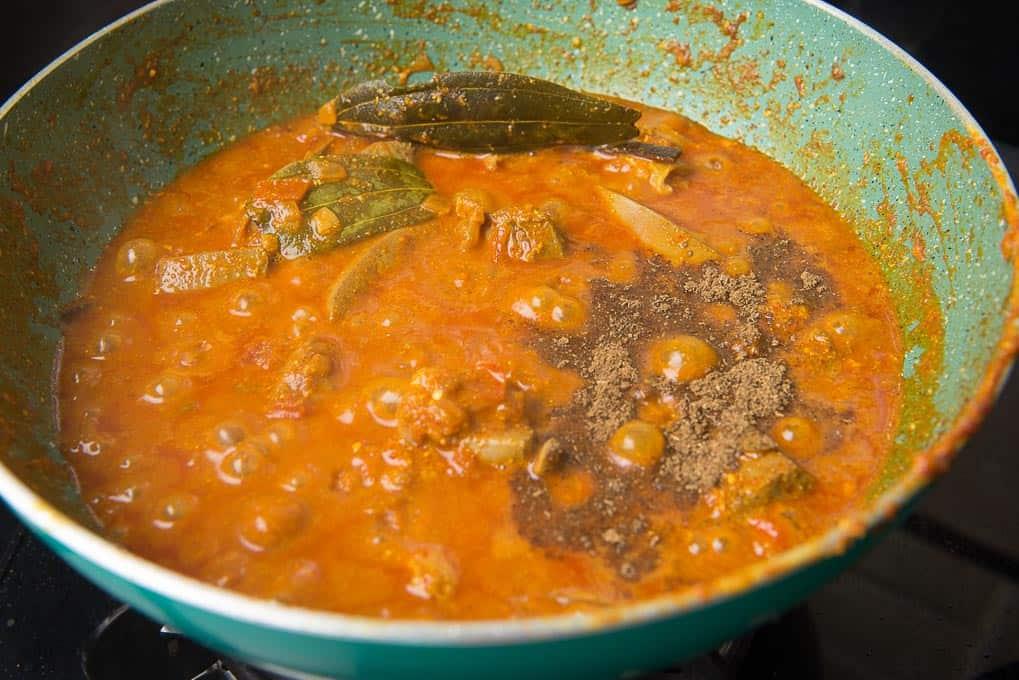 garam masala added in the pan
