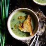 Garlicky Potato Spring Onion Soup is a beautifully flavored, thick, creamy soup, a nice warming treat during cold morning