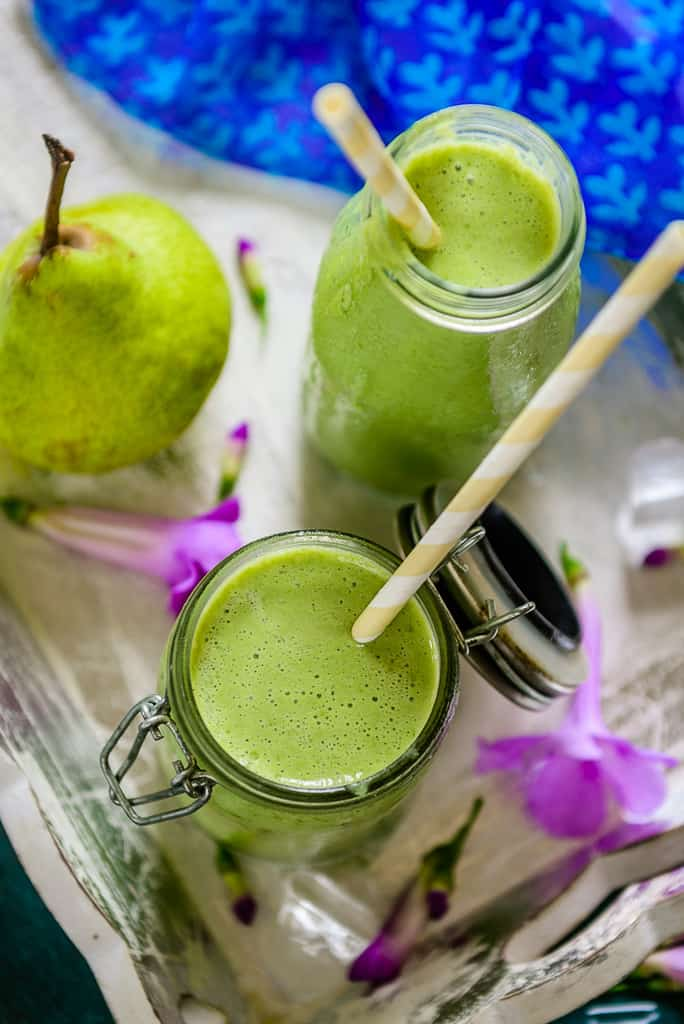Pear Ginger Green Smoothie is a simple, delicious and healthy way to ...