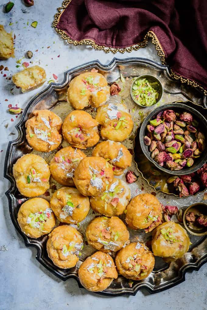 Balushahi served in a plate.
