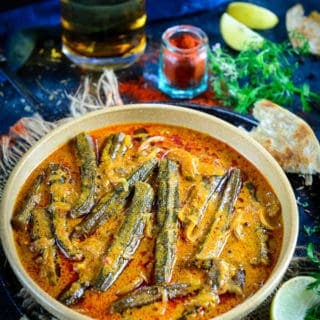 Bhindi ka Salan (Okra in a Spicy and Tangy Curry)