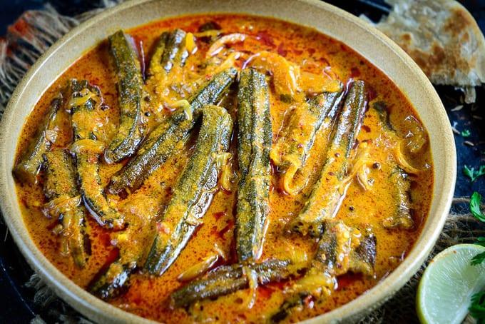 Hyderabadi Bhindi Ka Salan Recipe (Step by Step) - Whiskaffair