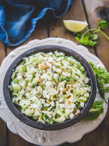 Kakdi Chi Koshimbir served in a bowl.