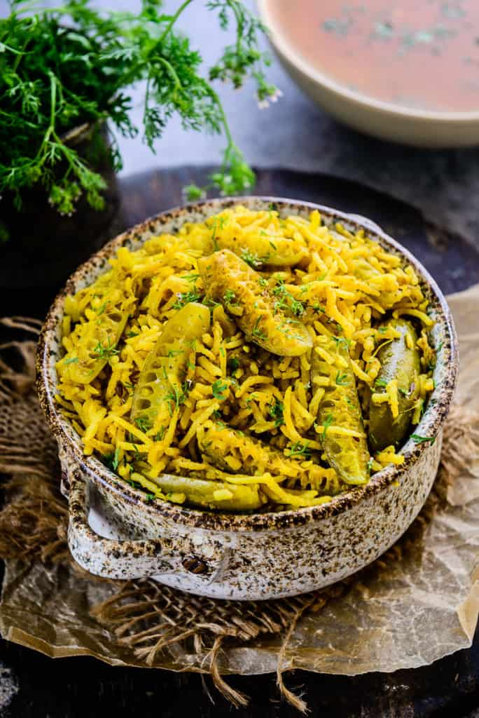Crafted by using fresh, green Tendli and long rice, Tondli Bhaat is a treat for taste buds. It tastes absolutely heavenly with a dollop of ghee.