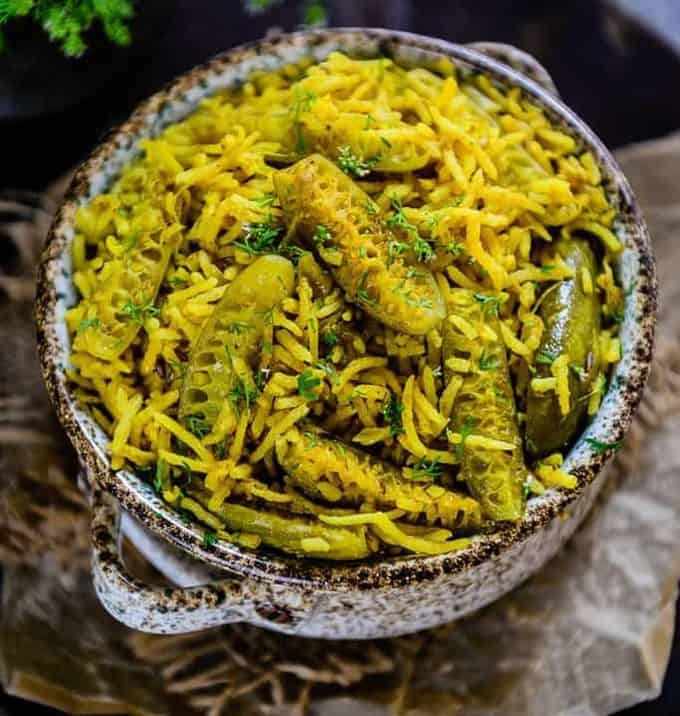 Crafted by using fresh, green Tendli and long rice, Tendli Masale Bhaat is a treat for taste buds. It tastes absolutely heavenly with a dollop of ghee.