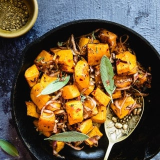 Ideal to be eaten as a starter or during supper, Rosemary and Balsamic Glazed Pumpkin is an utter luxury for the taste buds.