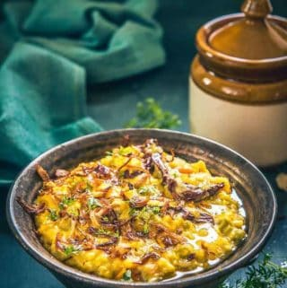 Vegetable Oats Khichdi recipe, oats khichdi for weight loss, oats khichdi calories, healthy vegetable khichdi, easy vegetable oats khichdi