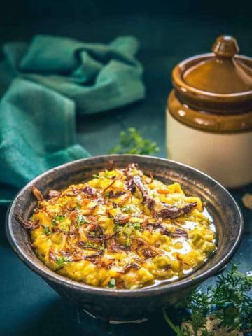 Vegetable Oats Khichdi recipe, oats khichdi for weight loss, oats khichdi calories, healthy vegetable khichdi, easy vegetable oats khichdi