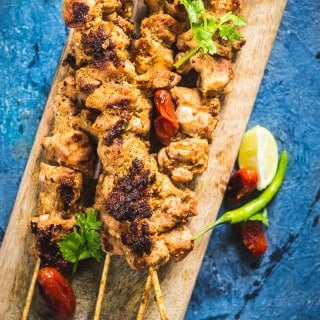Chicken Malai Boti is a very luscious chicken based dish which turns out to be a great option while planning an evening of BBQ!