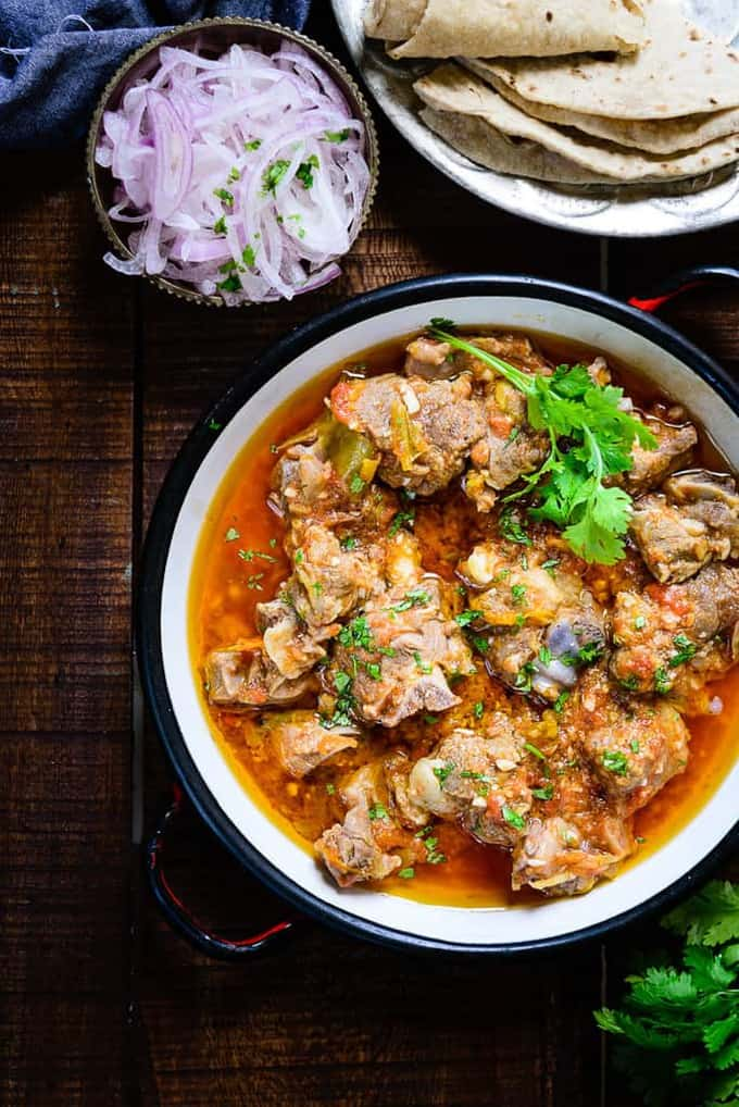 Peshawrai Kadhai Gosht is an authentic Indian non-vegetarian dish made using mutton and various spices. It is best relished with any flatbreads.