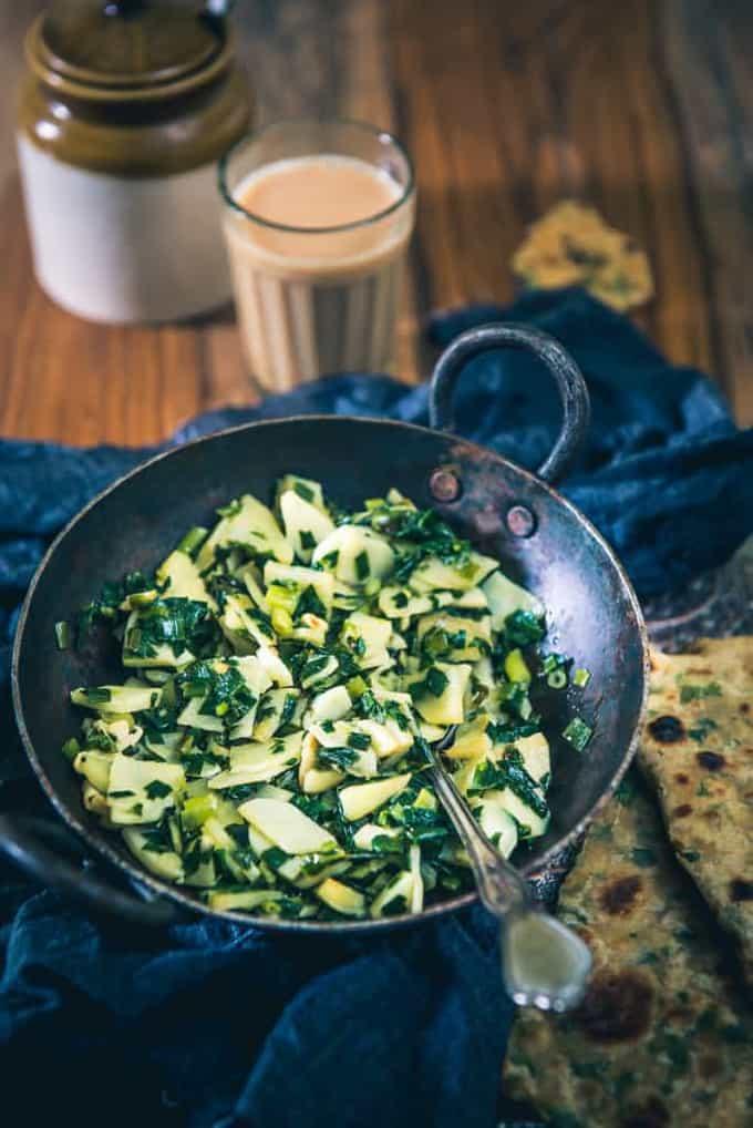 Aloo aur Hare Pyaz Ki Bhujia Recipe, How to make Aloo aur Hare Pyaz Ki Bhujia