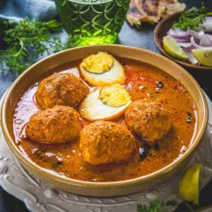 Like all Chettinad curries that I had tried, Chettinad Egg Curry tastes great! Here is a traditional recipe to make egg curry in Chettinad Style.