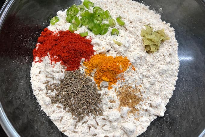 Flour mixed with spices.