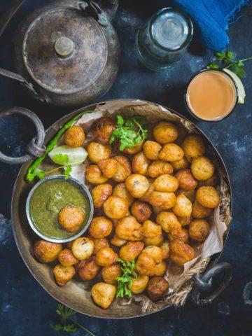 Mangalore Bonda served in a plate.