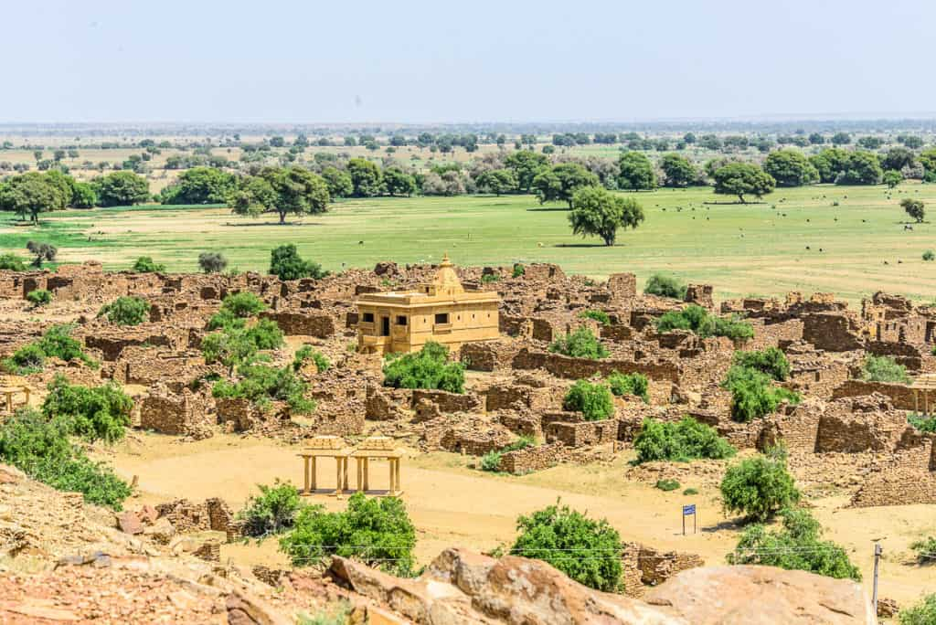 Read about my exploits at Suryagarh Palace, Jaisalmer & how I enjoyed the epitome of royalty in middle of Thar. An absolute must for in Rajasthan.
